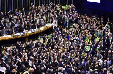 A SATANIZAÇÃO DA POLÍTICA É UM GOLPE CONTRA A DEMOCRACIA