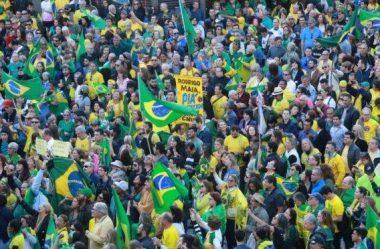 MANIFESTAÇÕES DE RUA E JOVENS MERECEM A ATENÇÃO DO PRESIDENTE