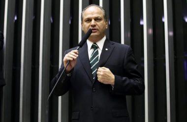 """""""APAGÃO DAS CANETAS"""" DIFICULTA ARTICULAÇÃO SOBRE REFORMAS, DIZ LÍDER DO GOVERNO"""