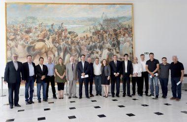 GOVERNADOR REÚNE BANCADA FEDERAL PARA TRATAR DE TEMAS DO PARANÁ