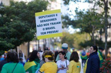 APOIO À DEMOCRACIA CRESCE, MAS BRASILEIROS CONFIAM POUCO NO JUDICIÁRIO E NO CONGRESSO