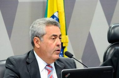 SUBPROCURADOR RECLAMA DO SALÁRIO DE R$ 42 MIL PARA ARAS