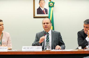 RICARDO BARROS ALERTA PARA TRANSMISSÃO POR PESSOAS SEM SINTOMAS