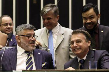 FROTA PROTOCOLARÁ IMPEACHMENT DE BOLSONARO: 'ALGUÉM PRECISA GRITAR'