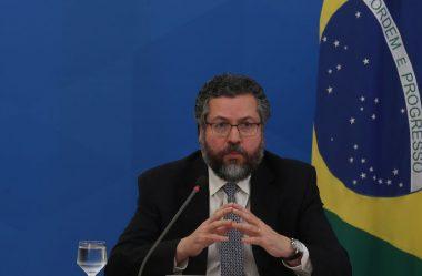 CERCA DE 5,8 MIL BRASILEIROS CONTINUAM RETIDOS NO EXTERIOR