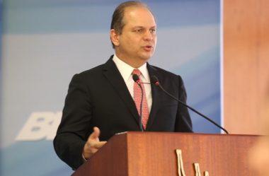 GOVERNO ACATA SUGESTÃO DE BARROS E PERMITE SUSPENSÃO DOS CONTRATOS COM PAGAMENTO DE SEGURO-DESEMPREGO