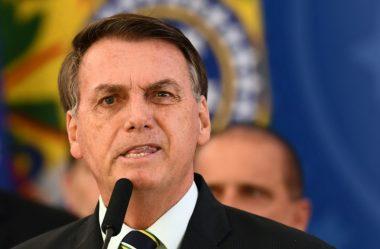 BOLSONARO NÃO ENTREGA EXAMES E 'ESTADÃO' PEDE APURAÇÃO DE DESCUMPRIMENTO DE ORDEM