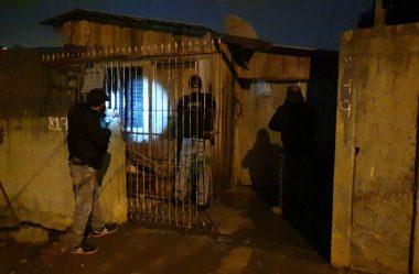 """PEDIDO DE AUXÍLIO EMERGENCIAL """"ENTREGA"""" MAIS DE 80 FORAGIDOS PARA A POLÍCIA"""