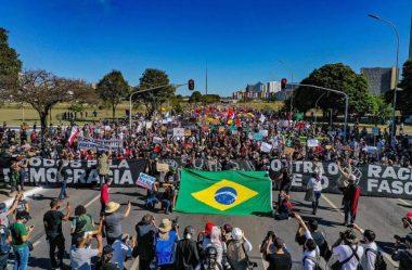 DOMINGO DE PROTESTOS TEM POUCOS CONFLITOS E PRESENÇA MAIOR DE ADVERSÁRIOS DO GOVERNO