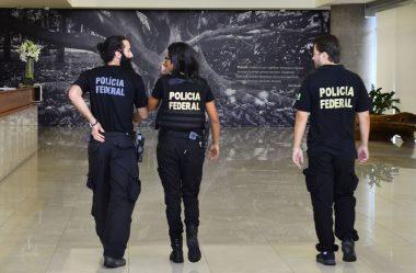 PF CUMPRE MANDADOS EM AÇÃO SOBRE ATOS ANTIDEMOCRÁTICOS