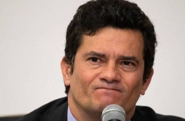 BOLSONARO QUERIA 'REBELIÃO ARMADA' CONTRA MEDIDAS SANITÁRIAS, DIZ MORO