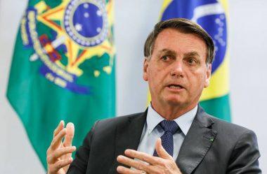 BOLSONARO REAGE A CRÍTICAS SOBRE VISITA DO SECRETÁRIO DE ESTADO DOS EUA AO BRASIL