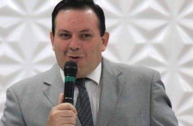 PASTOR CANDIDATO A VEREADOR EM CURITIBA PEGA COVID-19 E MORRE EM DOIS DIAS