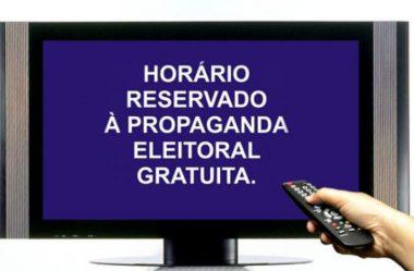 SEM ATAQUES, APRESENTAÇÃO DE CANDIDATURAS DOMINA PRIMEIRO PROGRAMA GRATUITO NA TV