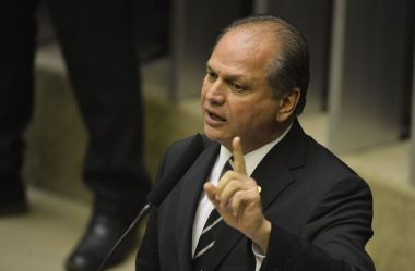 RICARDO BARROS VOLTA A DEFENDER NOVA CONSTITUIÇÃO