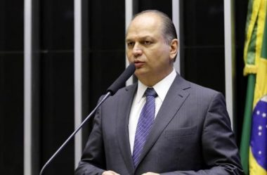 RICARDO BARROS DEFENDE AGILIDADE NA LIBERAÇÃO DE VACINAS