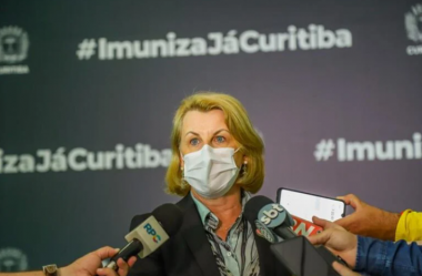 CURITIBA RENOVA DECRETO DE LOCKDOWN E BANDEIRA VERMELHA ATÉ A PÁSCOA