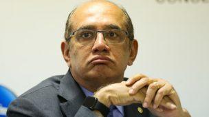 GILMAR MENDES SUSPENDE INVESTIGAÇÃO CONTRA FLÁVIO BOLSONARO