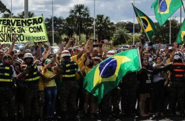 MILITARES REPROVAM PARTICIPAÇÃO DE BOLSONARO EM ATO ANTIDEMOCRÁTICO