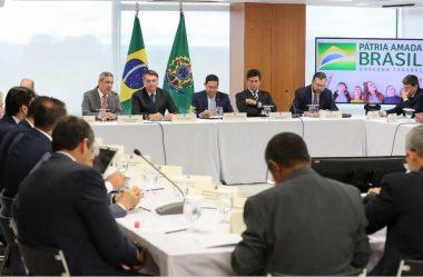AGORA SEM MÁSCARAS, GOVERNO BOLSONARO COLOCA INSTITUIÇÕES EM XEQUE