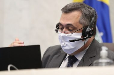 PARANÁ ANUNCIA LIBERAÇÃO DE AULAS PRESENCIAIS PARA ANOS FINAIS DE CURSOS DA SAÚDE