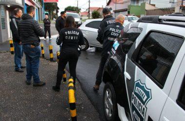 POLÍCIA CIVIL CUMPRE MANDADOS CONTRA SUSPEITOS DE FRAUDAR LICITAÇÃO EM CURITIBA