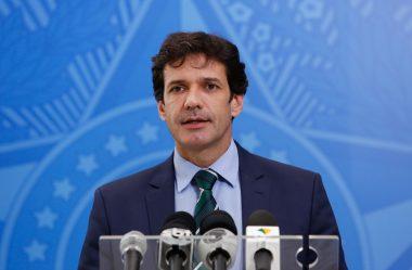 BOLSONARO DEMITE MINISTRO DO TURISMO APÓS POLÊMICA COM RAMOS