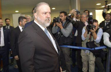 PGR PEDE ABERTURA DE INQUÉRITO SOBRE CONDUTA DE MINISTRO DA SAÚDE