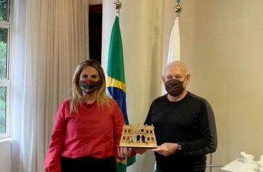 CIDA VISITA ASSEMBLEIA E APRESENTA AS INOVAÇÕES DO PALÁCIO GARIBALDI